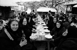 DE009 - An outdoor funeral meal, Valeni, Maramures, Romania